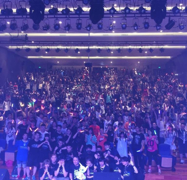 宮崎歩&HEROARつきみぐーの中国広州ライブは大盛況!